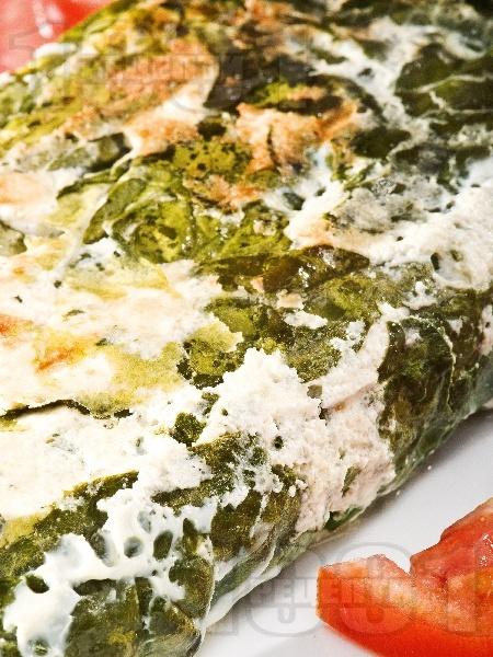 Спаначена запеканка с извара и яйца на фурна - снимка на рецептата